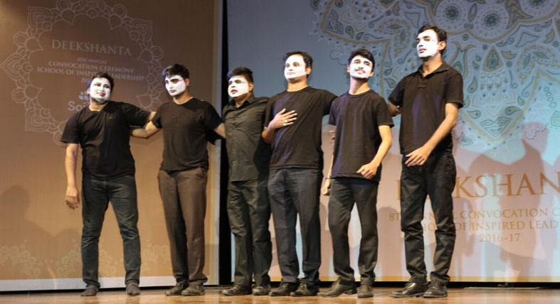 Learning mindfulness through Theatre